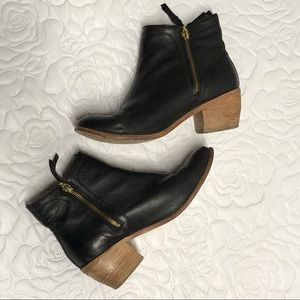 Wolverine black zip leather booties ankle boot 10